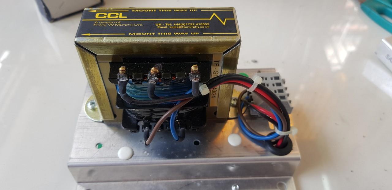 Sạc bình tự động máy phát điện Perkins